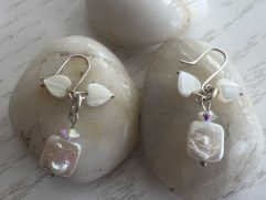 cream mother of pearl earrings